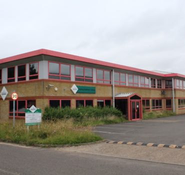 14 Triangle Business Park (f/h)
